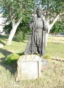 yunus-emre-statue